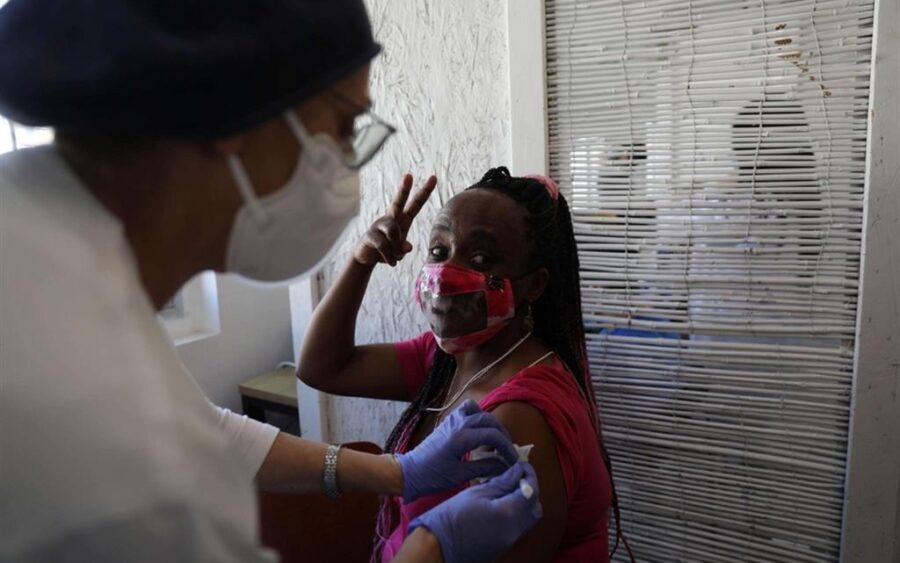 vaccini migranti